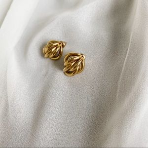 VTG Gold Layered Connected Mini Hoop Earrings
